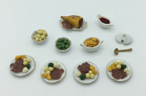 Dolls House Plates Of 'Roast Dinner'