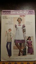 VINTAGE SIMPLICITY GIRLS APRON DRESS PATTERN 7039 SIZE 9-10  FREE SHIPPING