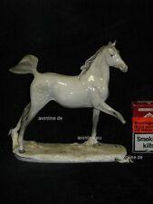 +# A014530 Goebel Archiv Muster Brindley Pferd Horse Schimmel im Trab 32-361