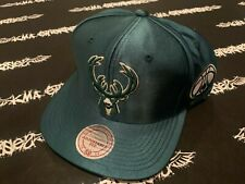 NWT Mitchell & Ness Milwaukee Bucks Snapback Hat Mens SATIN GREEN NBA NEW