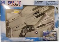 New Ray - 1:72 Scale Pilot Model Kit F-14 Tomcat (BBNR21377F14)