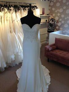 Wedding Dress by Justin Alexander Style 88004
