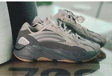 Adidas Yeezy Boost 700 V2 Tephra 9 FU7914 Kanye West 350 500 Mens Size 9.5