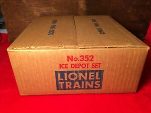 Vintage Lionel 352 O Operating Icing Station Ice Depot With Box and Insert NOS