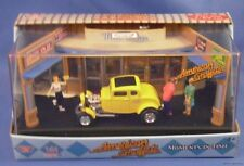 AMERICAN GRAFFITI MOVIE DIORAMA DIECAST 1:64 1932 FORD COUPE DIECAST MEL'S DINER