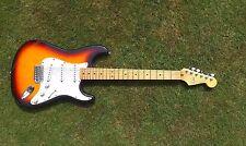 Fender Stratocaster-Sunburst Strat Maple Mim México