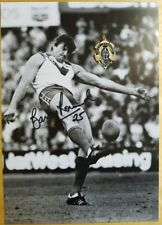 1981 BARRY ROUND STH MELB HAND SIGNED B&W PHOTO & FREE REPLICA BROWNLOW MEDAL