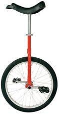 Bicicletas rojos de aluminio