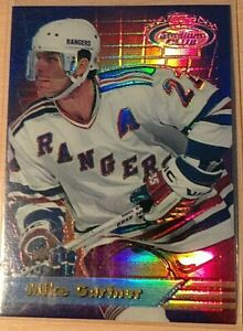 Mike Gartner RARE 1993-94 Stadium Club Finest Refractor #6 New York Rangers MNT