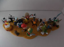 PVC figure w Puzzle Piece Warner Brothers Looney Tunes WB Mexico Complete Set