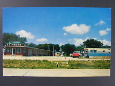 Willmar Minnesota MN Tri-Court Motel Trailer Park Postcard Vintage 1950s