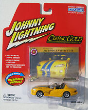 JOHNNY LIGHTNING R26 CLASSIC GOLD 1995 DODGE VIPER RT/10