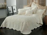 Bianca Chardae Coverlet Set Queen/King  Size Cream