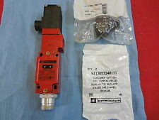 TELEMECANIQUE XCK-J5984B2-647 **NEW IN BOX** SAFETY LIMIT SWITCH (2C1)