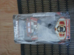 transformers mp 1 optimus prime hasbro 20th anniversary bib
