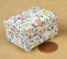 1:12th Upholstered Foot Stool Dolls House Miniature Furniture Accessory 1480