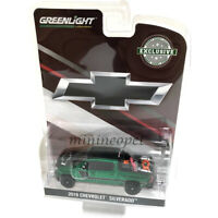 GREENLIGHT 30087 2019 CHEVROLET SILVERADO with SAFETY EQUIPMENT 1/64 GREEN Chase