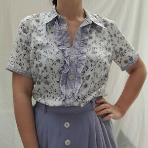 70s Vintage Cottagecore floral Blouse With Frilly Bust Detailing