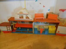 1974 Barbie's Chris Craft Dream Boat  COUCH FLAGS UTENSILS ALMOST COMPLETE