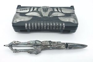 Nintendo DS Lite Decepticon Megatron Transformer Case & Weapon Hasbro 2009