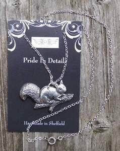 Eichhörnchen   - von Prideindetails als Halskettchen Platin überzogen