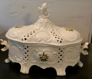 """Vintage Scioto S2609 Large carved Box with Lid 12 x 8 """" handpainted white roses"""