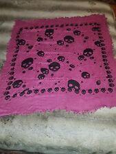 Foulard écharpe carré rose framboise/lie de vin skull tête de mort 100cm