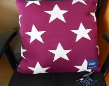 AMERICAN FRESHMAN MEMPHIS MULBERRY KNITTED SQUARE FILLED CUSHION