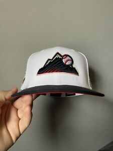 New Era Colorado Rockies Exclusive hat club 7 5/8 Sports world Fitted Cap Red UV