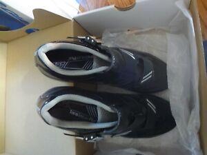 GIANT Phase  Cycling Shoes SIZE 42.5 EU/9.5 USA, BLACK/GREY