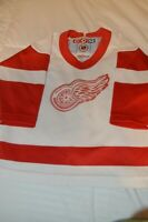 VTG CCM NHL HOCKEY DETROIT RED WINGS TODDLER JERSEY AUTOGRAPHED 3X!