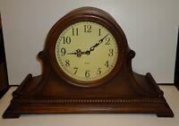 Vintage Quartz  Wood Mantle Clock Battery operated