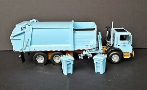 First Gear Mack Garbage Truck Chicago Side Loader 1/34 Scale 19-3620 Very Rare!!