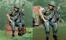 COLLECTORS SHOWCASE VIETNAM WAR CS00994 U.S. MARINE SITTING / APC RIDER MIB