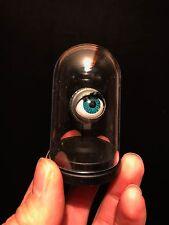 Cabinet Curiosités / Oddities / Globe Oeil dormeur de poupée ancienne / Doll Eye
