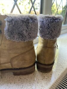 M & S Boots Biker Style Faux Leather Faux Fur Size 7 Yellow/gold Hues