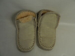 Vintage Suede All Pure New Wool Pile Kiwi-Kraft Slippers Made in New Zealand