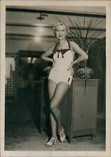 Actrice Lisette Lanvin à Nice, 1939, vintage silver print vintage silver print