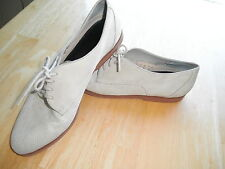Vintage Ladies BASS Leather Cream/White SHOE Flat Lace Up Fancy CUTE Comfy Work