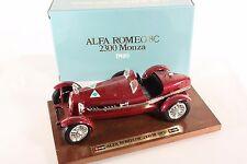 BBURAGO 3514, ALFA ROMEO 8c su presentazione Brett, 1:18, in scatola originale #ab959