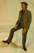 RESTING MAN NUMBER 2 G F 1:20.3 Model Railroad Painted Figure FGGLRL04B