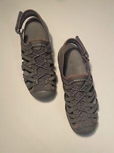 BareTraps Faylor Women's Fisherman Sandals Hook Loop Ankle StrapSize 8.5M Gray