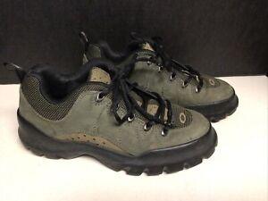 Oakley NAILsize 6 1/2 Men 8 Women green/oliveShoes Bintage