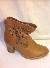 Levi's Brown Ankle Leather Boots Size 5