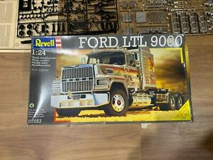 Revell FORD LTL 9000 MODEL TRUCK KIT