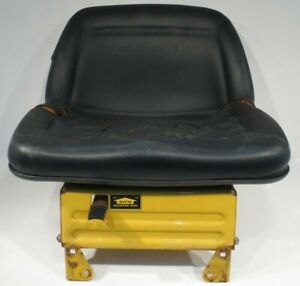 OEM Cub Cadet LAWN GARDEN TRACTOR SEAT KIT & BASE fits 703-2395B-0716 759-04299