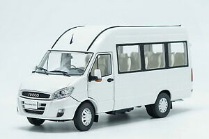 1/24 Scale IVECO POWER DAILY 2015 White Diecast Car Model Toy Collection Gift