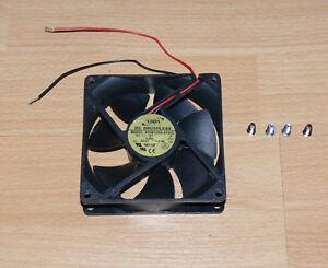 Ventilateur 12V PC 92mm ADDA AD0912HS-A70GL + 4 Vis