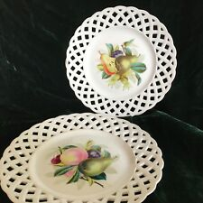 Pair of vintage hand painted fruit 9� plates — free 📦 shipping.