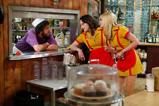 2 Broke Girls 8X10 waitress outfit from show 6
